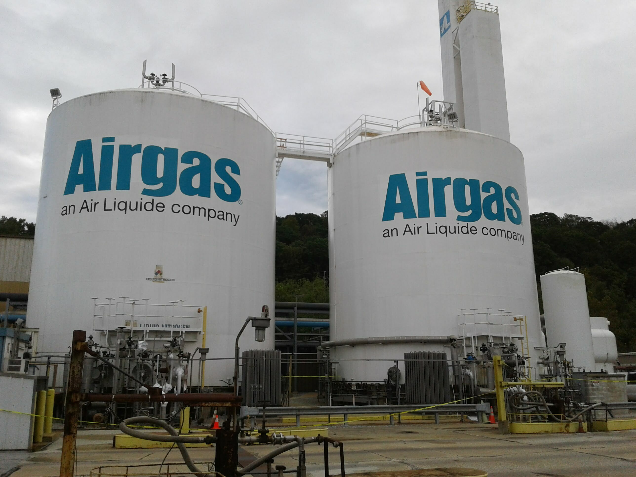 airgas air separation tanks